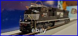 Athearn Genesis HO Scale EMD SD70M Diesel Locomotive With Tsunami Sound