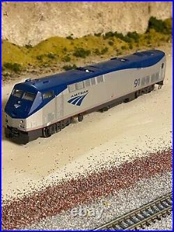 HO Scale Kato Amtrak P42 #91 DCC & Sound Diesel Locomotive