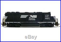 HO Scale Model Railroad Trains Norfolk Southern GP-40 Locomotive DCC Sound 66305