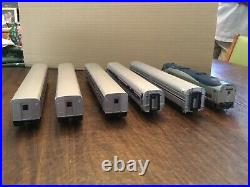 HO Scale Walthers Amtrak 85' Phase 4 Passenger Cars Lot of 5 and P42 Engine #44