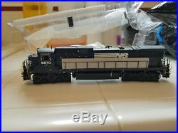 HO scale Norfolk Southern Scaletrains C39-8 DC Locomotive
