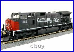 Kato HO Scale GE C44-9W Diesel Locomotive Southern Pacific SP #8132 #37-6631
