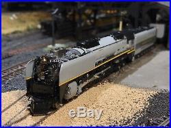 N scale KATO 4-8-4 FEF-3 UP #844 Custom painted Greyhound