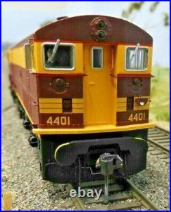 TrainOrama, 44 Class Locomotive, HO Scale, ORIGINAL INDIAN RED, 4401 Early era